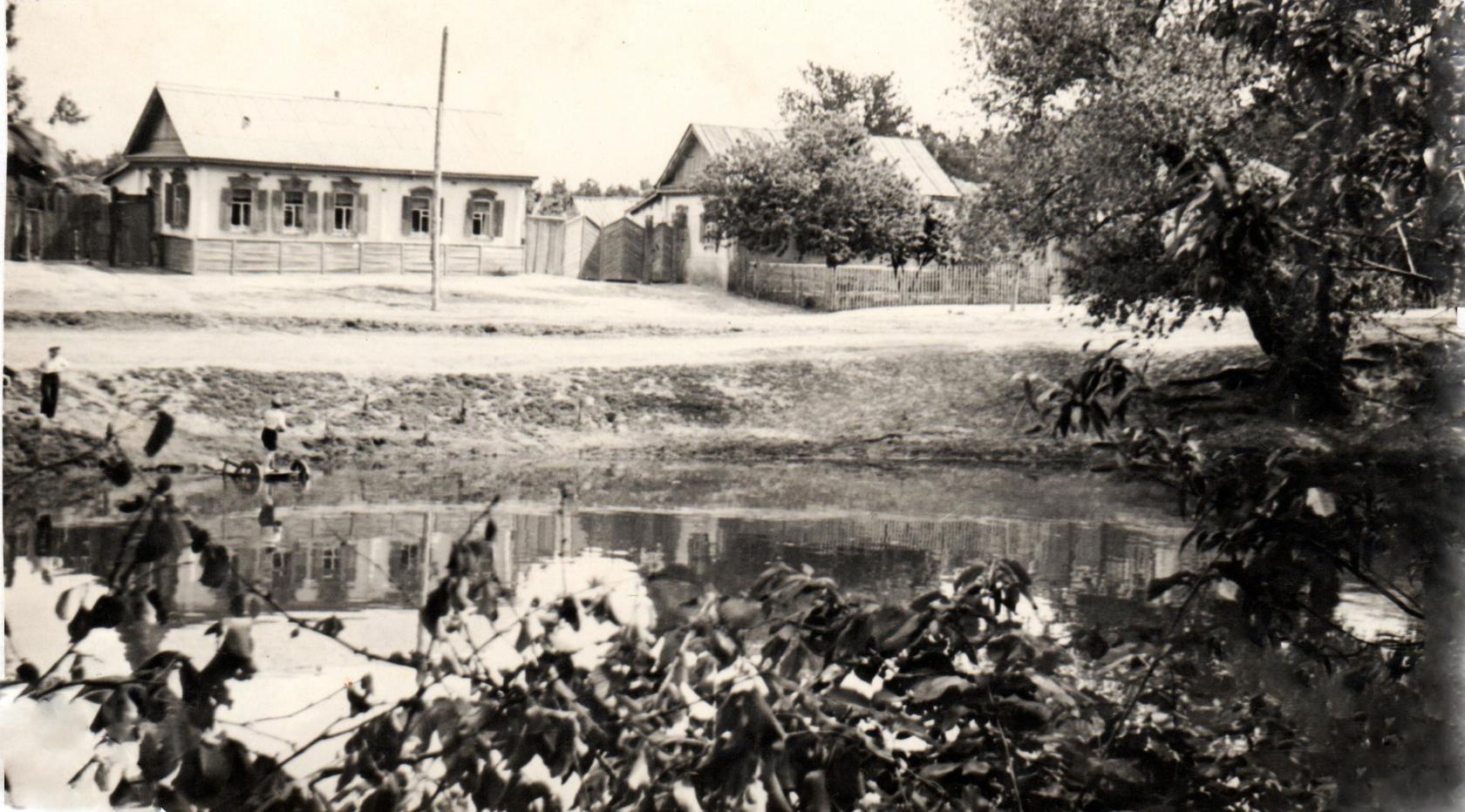 Старые фото города пестово новгородской области шторки обе